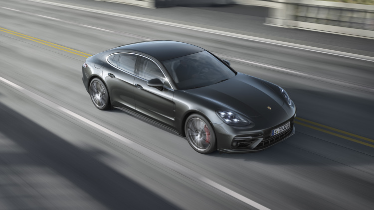 How the Autoblog staff would configure the 2017 Porsche Panamera