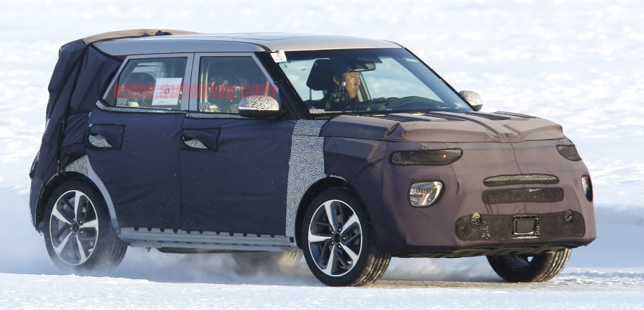 Next-generation Kia Soul spied with old box shape, new split headlights