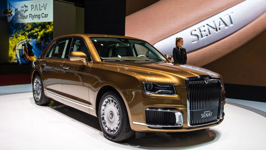 Roll like Putin: Russian automaker wants to sell 7-ton limo to the world