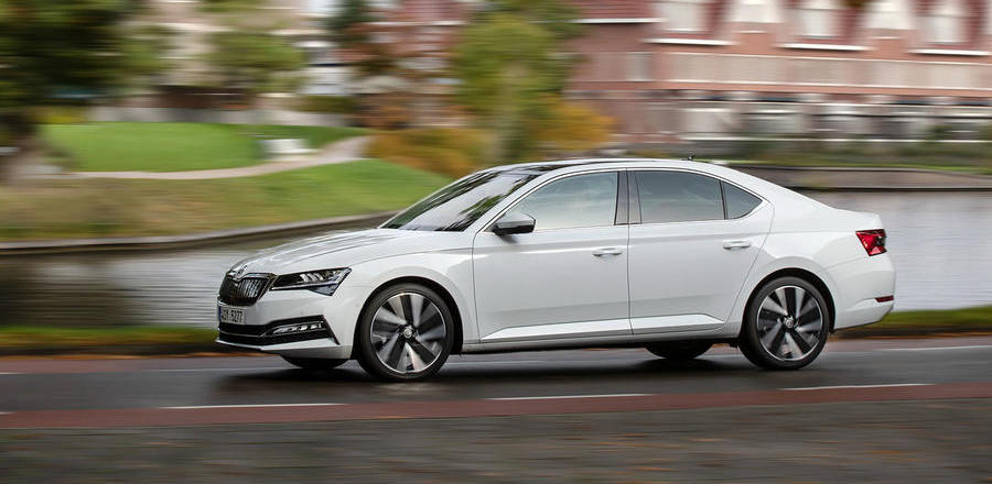 Skoda Superb 1.4 TSI iV 2019 review