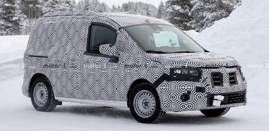 2020 Renault Kangoo Spied With Full Body Attire