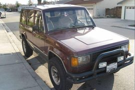 1987' Isuzu Trooper