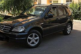 1999' Mercedes-Benz Ml